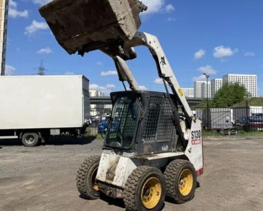 Аренда мини погрузчика BOBCAT S130 0.6 тонн