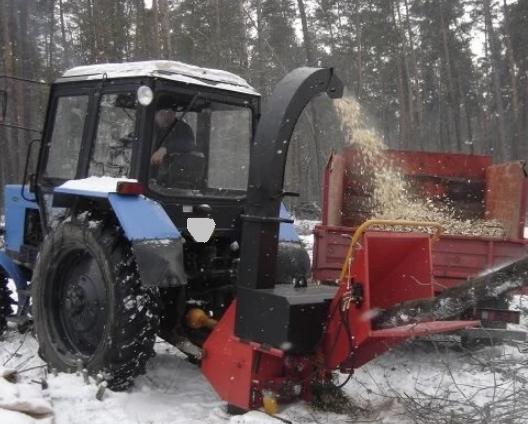 Аренда дереводробильной машины МТЗ