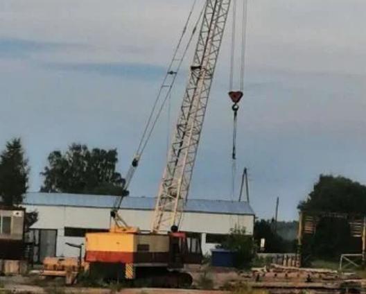 Аренда компактного гусеничного крана ДЭК-251 25 тонн